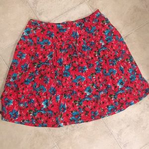 Talbot's woman red floral patterned pleated skirt